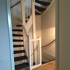 stofferen open trap, tapijt